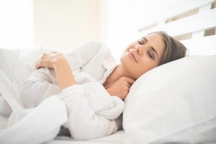 ダイエットに効果的な空腹睡眠