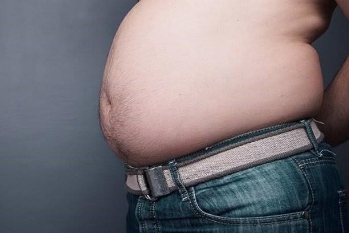 お腹に脂肪がつきやすい原因とは?