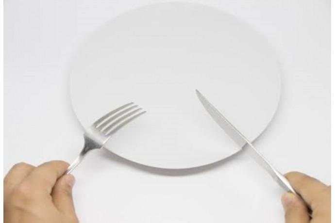 断食はダイエットに効果的?