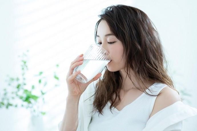 水を飲むと痩せやすくなる理由